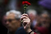 É contra ou a favor das comemorações do 25 de Abril na Assembleia da República?